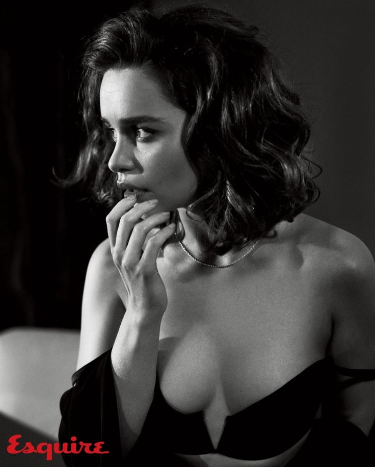 Emilia Clarke Pose on Esquire November 2015