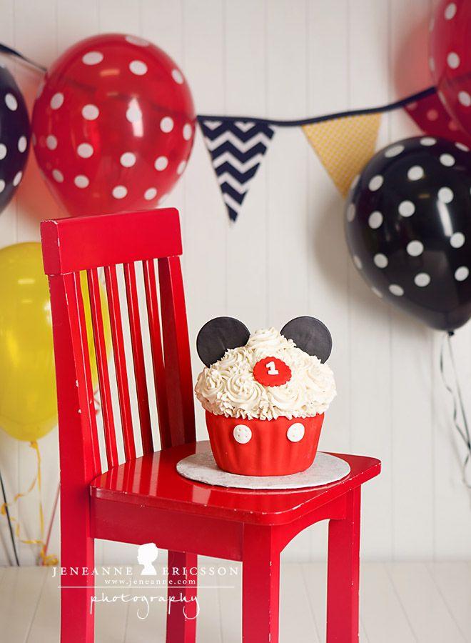 K is One – Santa Rosa Children's Photographer » Jeneanne Ericsson Photography Mickey Mouse Giant cupcake cakesmash