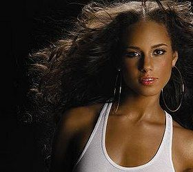 Alicia Keys... My favorite artist on earth! Talented in so many ways!