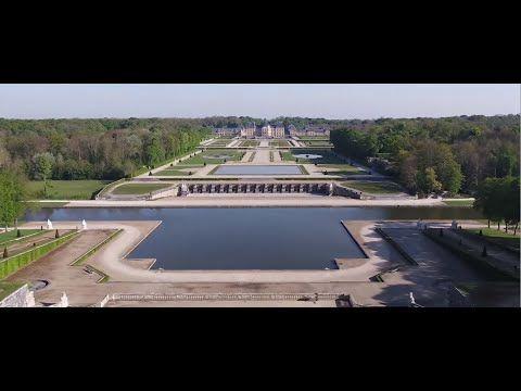 Le Chateau De Vaux Le Vicomte Est L Oeuvre De Nicolas Fouquet