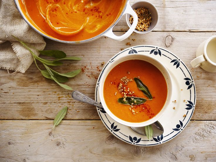 Een heerlijke soep van paprika en pastinaak met Alpro soya Cuisine Light