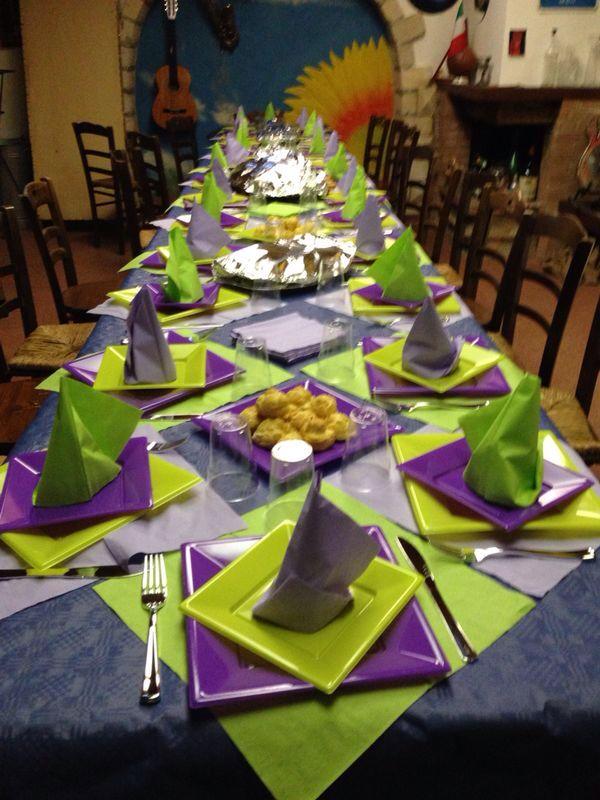 Oltre 25 fantastiche idee su apparecchiare la tavola su pinterest idee per la tavola coperti - A tavola con amici ...