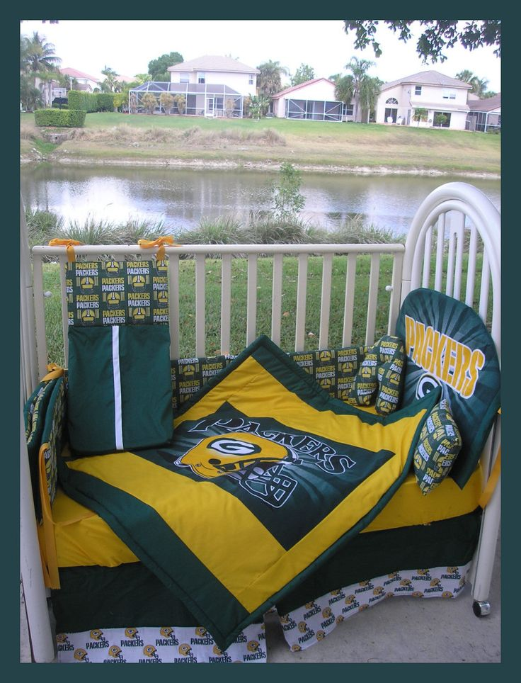 Green Bay Packers Crib bedding :) soo getting this when I have a baby
