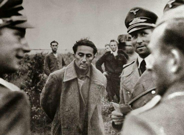 ياكوف دزوغاشفيلي ابن الرئيس السوفيتي جوزيف ستالين والذي قبض عليه الألمان في عام 1941. وقد قتل في وقت لاحق في أحد المعتقلات.  Stalin's son Yakov Dzhugashvili captured by the Germans in 1941. Was later killed in the camp prisoners.