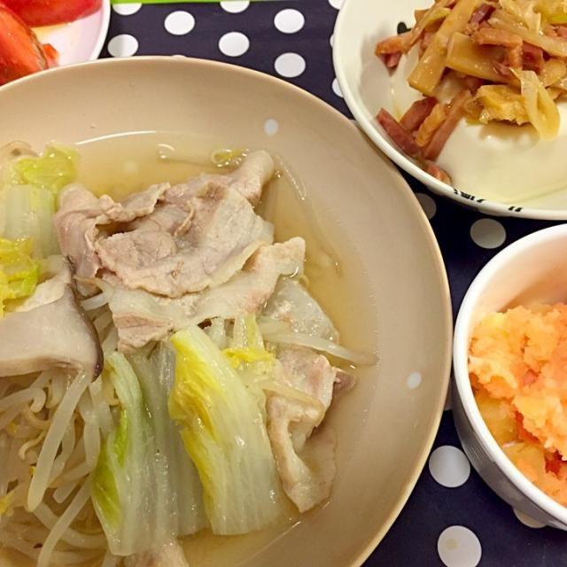 豚バラと白菜の鍋エリンギもやし入り、明太ポテトサラダ、チャーシューおつまみのっけ冷奴、トマトをオリーブオイルと塩で食べる - 7件のもぐもぐ - 夕ご飯 by naaho