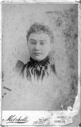 On January 10, 1870: In Lamar, Missouri, Wyatt married Urilla Sutherland, who died of typhoid fever a year later, while pregnant with their child. #jesseJames