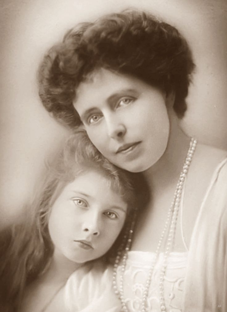 Queen Marie of Romania and Princess Mignon then Queen of Yugoslavia