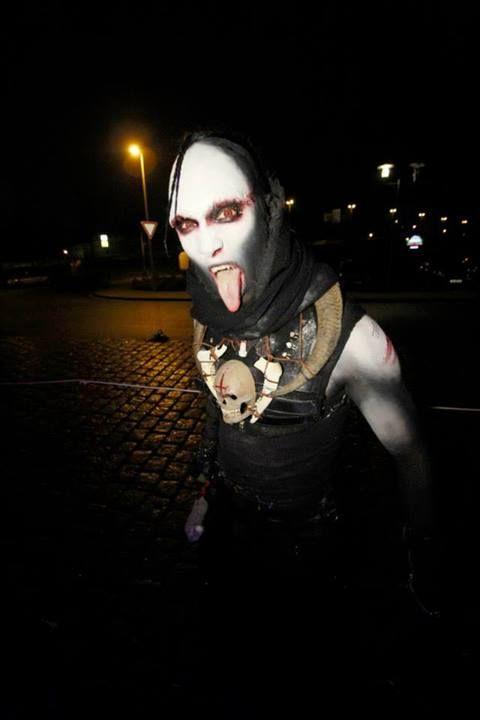 Halloween Party 2013 - Grusellabyrinth Kiel, Germany | Photo via Facebook https://www.facebook.com/photo.php?fbid=656335701064058&set=pb.184015754962724.-2207520000.1383759806.&type=3&src=https%3A%2F%2Ffbcdn-sphotos-c-a.akamaihd.net%2Fhphotos-ak-prn2%2F1450771_656335701064058_1847515435_n.jpg&size=640%2C960