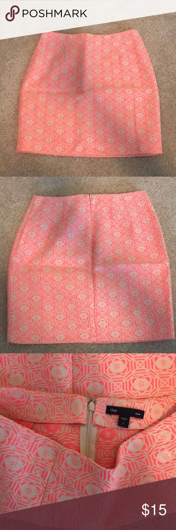 Gap pink and cream pencil skirt in flower design Gap pink and cream pencil skirt with a flower design. Barely worn is super cute on! GAP Skirts Pencil