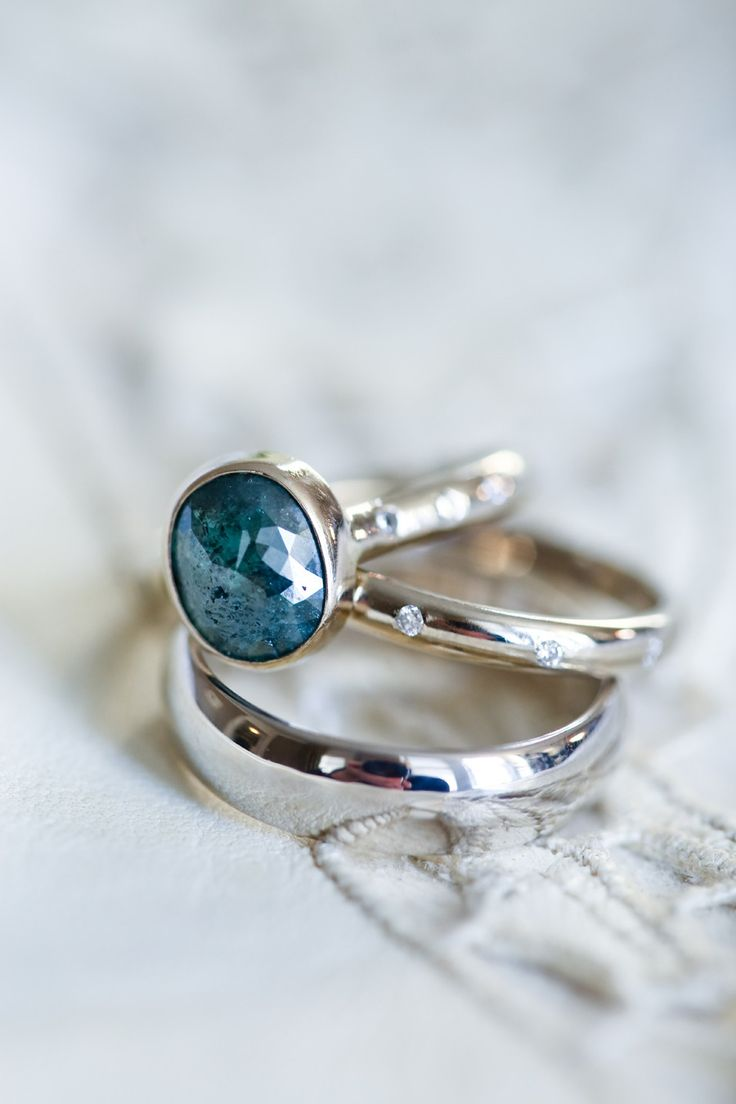 dazzling blue engagement #ring | Photography: Christina McNeill - www.christinamcneill.com