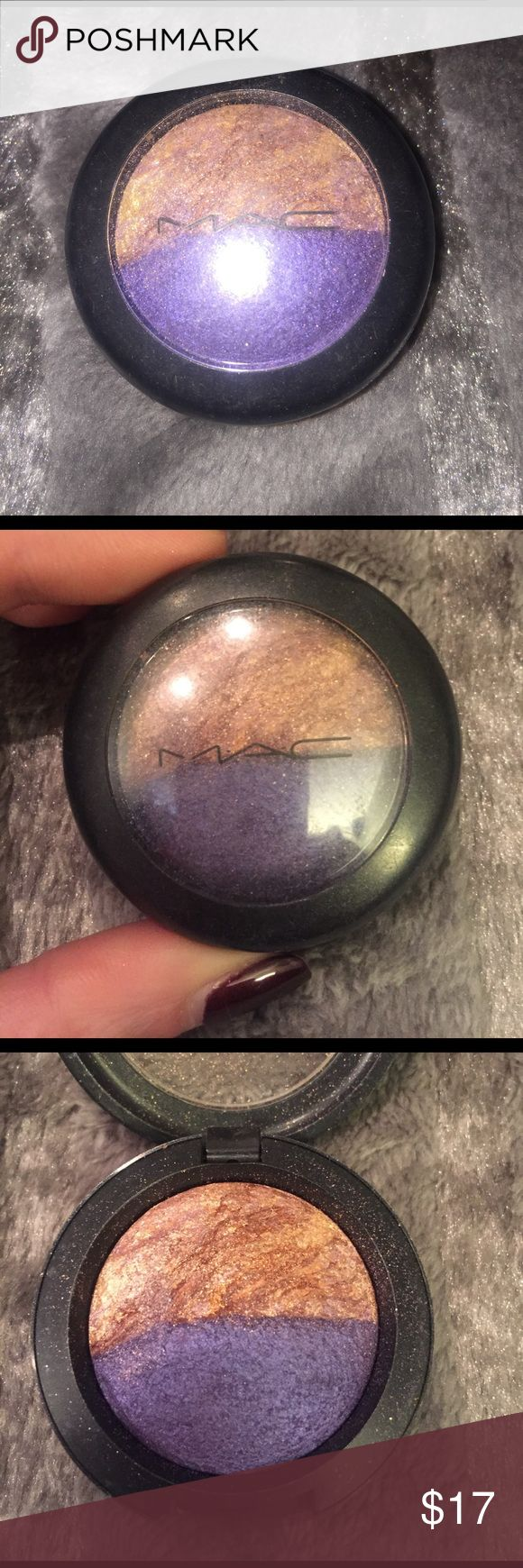 "Mac mineralize eyeshadow duo In the color ""odd couple"