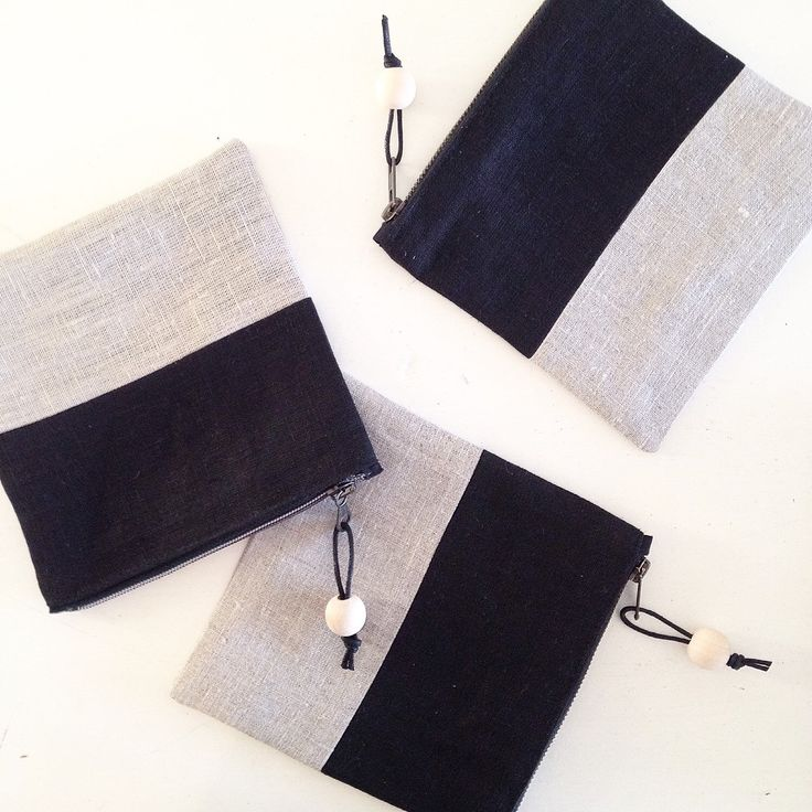 Linen color block cosmeticbag. Natural and black linen.