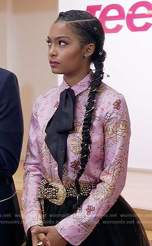 Zoey's pink tiger print shirt on Black-ish.  Outfit Details: https://wornontv.net/63207/ #Blackish Her hair is LIT!
