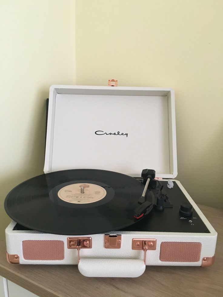 25 best ideas about crosley record player on pinterest record player vintage vinyl record. Black Bedroom Furniture Sets. Home Design Ideas