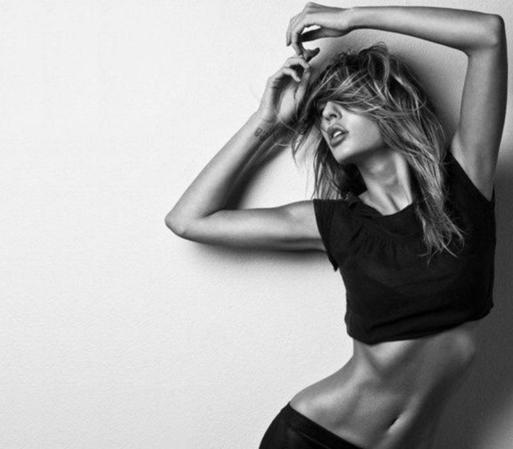 Εύκολες ασκήσεις για ωραία μπράτσα! - http://ipop.gr/themata/eimai/efkoles-askisis-gia-orea-bratsa/