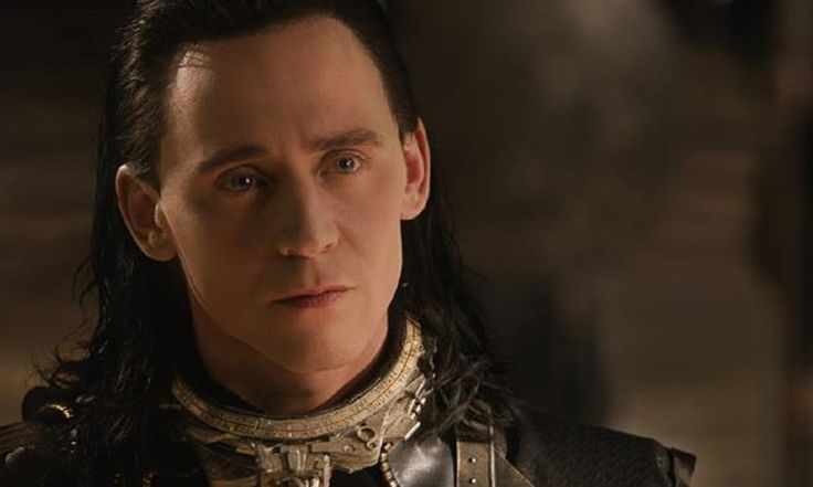 Tom Hiddleston's Loki Hot Toys at SDCC 2017 Look Super Real [Photo]