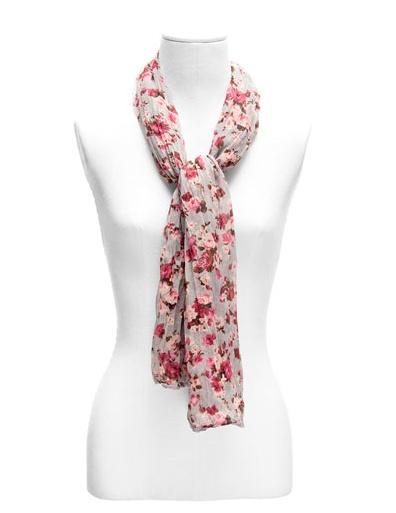 Pañuelo de flores de Suite Blanco..  http://www.deli-cious.es/index.php/panuelos-y-bufandas/744-panuelo-flores-stradivarius