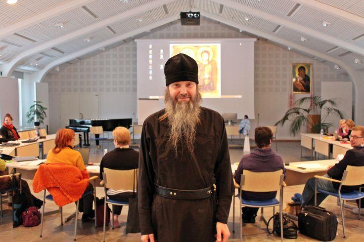Munkki Joona toivotti tervetulleeksi Valamoon #Valamon luostari