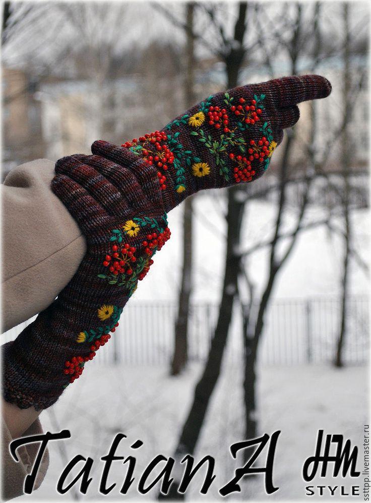 """Купить Эксклюзивные вязаные перчатки с вышивкой """"Malabrigo2"""" - комбинированный, перчатки, перчатки женские, перчатки вязаные"""
