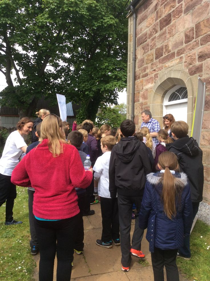 Lots of interested visitors from Ullapool Primary School came to see the dodo