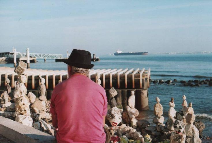 All my friends. . . . . #rocks #friends #castaway #man #manwithhat #boat #docks #river #tejo #skyline #riverside #lisbon #cityscape #onfilm #filmisnotdead #filmcommunity #filmphotography #staybrokeshootfilms #ishootfilm #analoguecommunity #analoguevibes #analogphotography #35mm #fujifilm35mm #vintagecamera #canonat1 #canon #film #shooters_pt