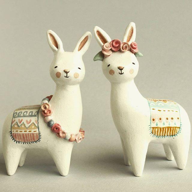 Bunnyllama love #etsyshop #etsy #clayfigurine #fantasyanimals #bunny #llama #miniature #airdryclay #handsculpted #sweetbestiary
