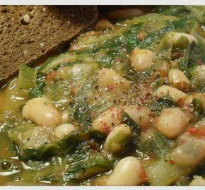 Ricetta zuppa di fagioli e scarole.