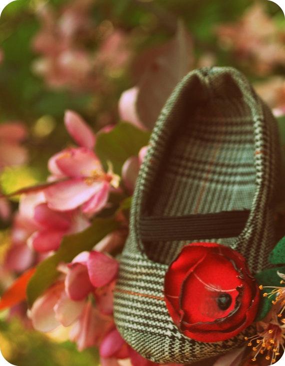 handmade kids shoe plaid red green #winter