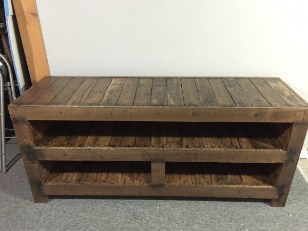 17 best ideas about pallet tv stands on pinterest rustic for Diy pallet tv stand instructions