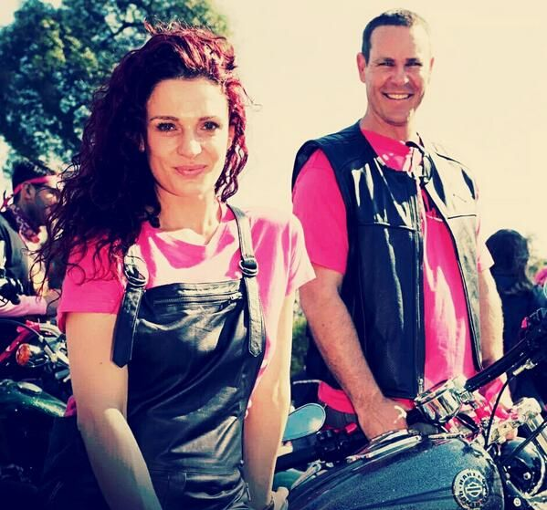 danielle cormack and Aaron Jeffery at Sydney pink ribbon ride for breast cancer awareness