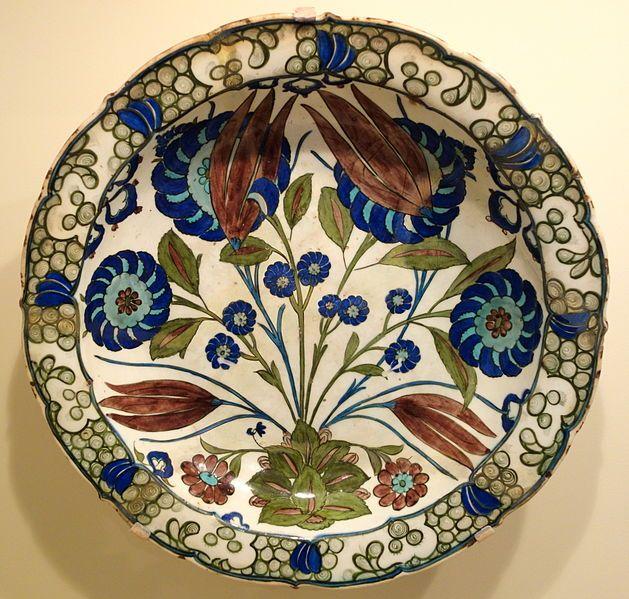 Dish with tulips and peonies, Iznik ware, Turkey, Iznik, Ottoman period, c. 1550-1560, earthenware with underglaze polychrome painting - Cin...