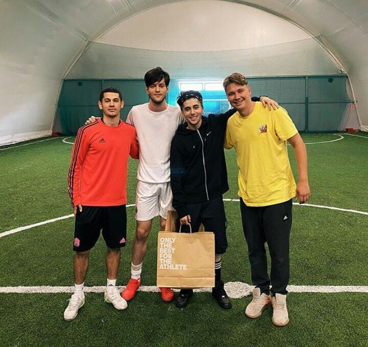 Pin By Afnan Tarik On Rauf I Faik Athlete Youtube Futbol