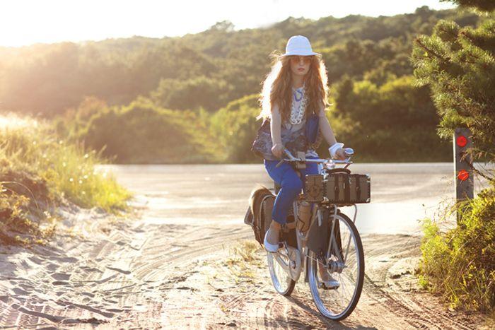 Bike Trip to the countryside: Women Fashion, Hampton Style, Bike Fashion, Bike Riding, Bicycles Everywh, Vintage Bicycles, Bicycles Bicycles, Beautiful Love, Bike Style