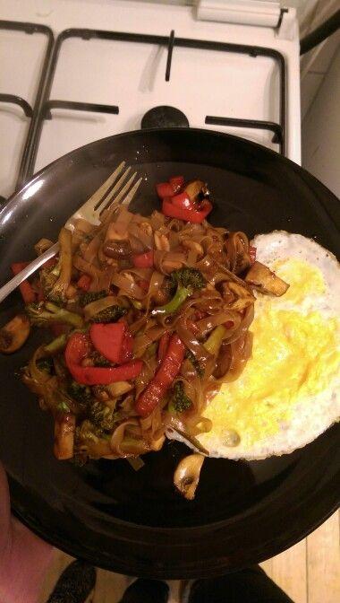 Vegetarische Pad thai. Supergezond en superlekker!