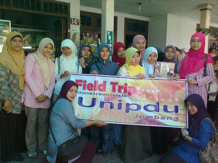 Field Trip Para Mahasiswa http://wp.me/p5navp-8O  Betapa senangnya ternyata basecamp kami di kunjungi para mahasiswa