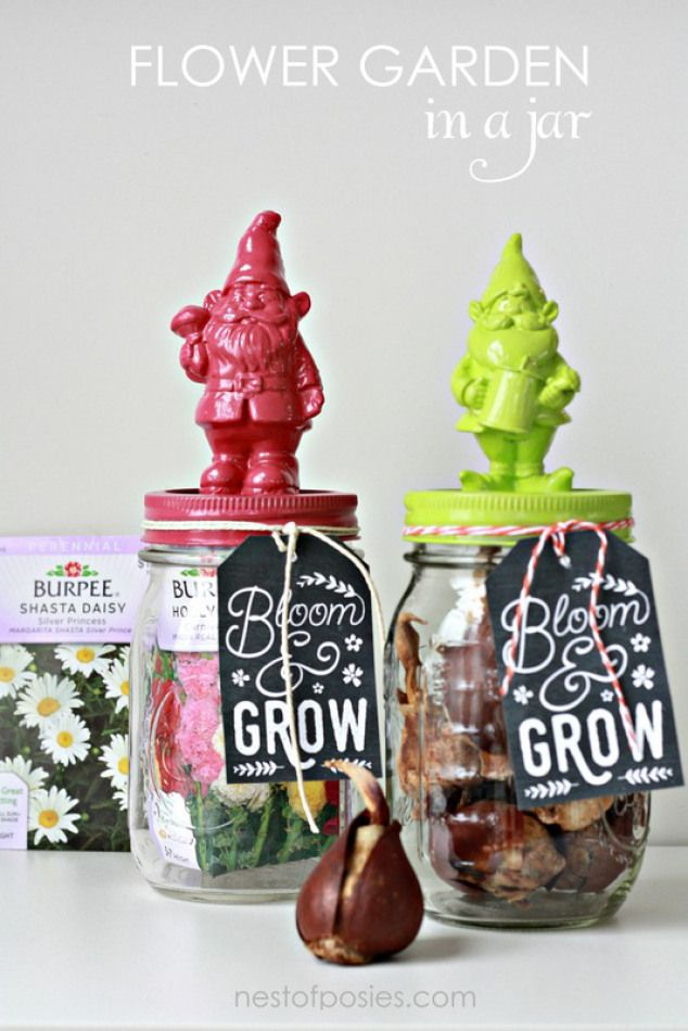 Flower Garden in a Jar with FREE gift tag printable!