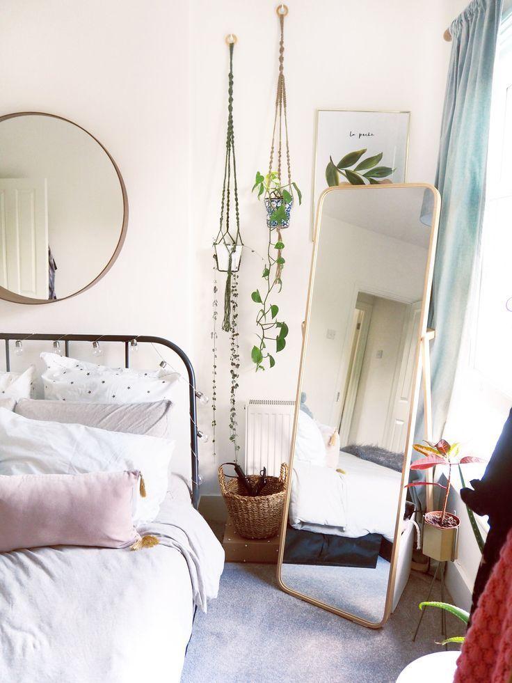 Ein heller, heller Schlafzimmerrahmen – #zimmerges…