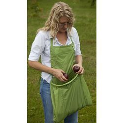I could totally make one of these for myself – just an apron with a nice deep pocket.  How handy!