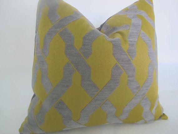 Fabric-Flocked Grey Trellis, on Citrine
