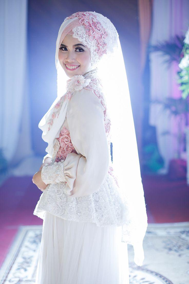 This is incredible! Unique work by  LAKSMI - Kebaya Muslimah & Islamic Wedding Service http://www.bridestory.com/kebaya-laksmi/projects/sweet-and-syari-wedding-fikri-and-mega