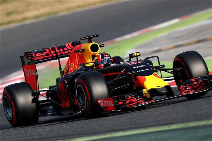 Red Bull RB12 - TAG Heuer