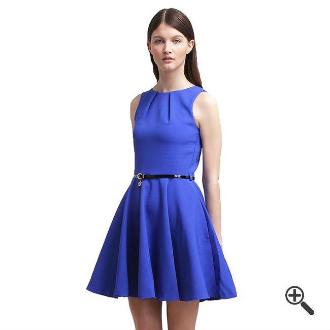Blaues Kleid in kurzkombinieren + 3Blaue Outfits für Cilli http://www.fancybeast.de/blaues-kleid-kurz/ #Blau #Blue #Kleider #Cocktailkleider #Dress #Outfit Blaues kleid kurz