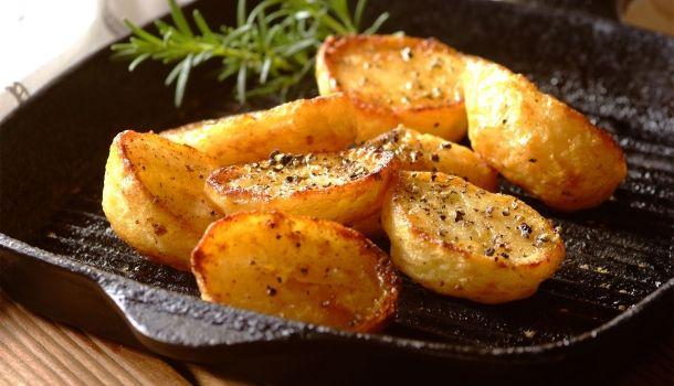 Spicy Crisp Roast Potatoes
