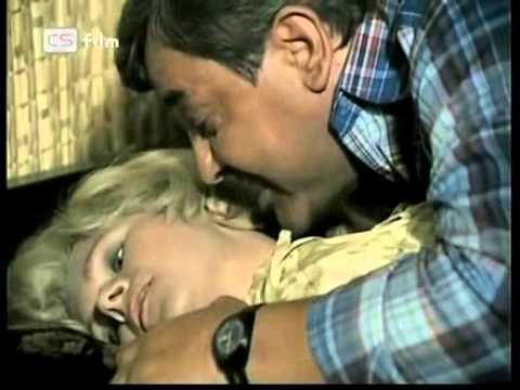 Kdo přichází před půlnocí československý krimi film  1979