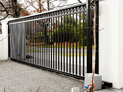 Sliding steel gate