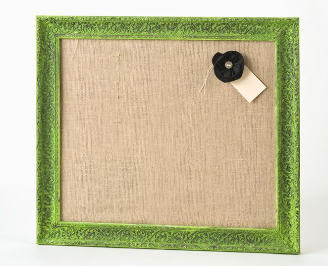 Burlap covered bulletin board.: Boards Recipe, Crafts Paintings, Burlap Bulletin Boards, Bulletin Boards Dresses, Corks Boards, Cool Ideas, Corkboard, White Frames, Crafty Ideas