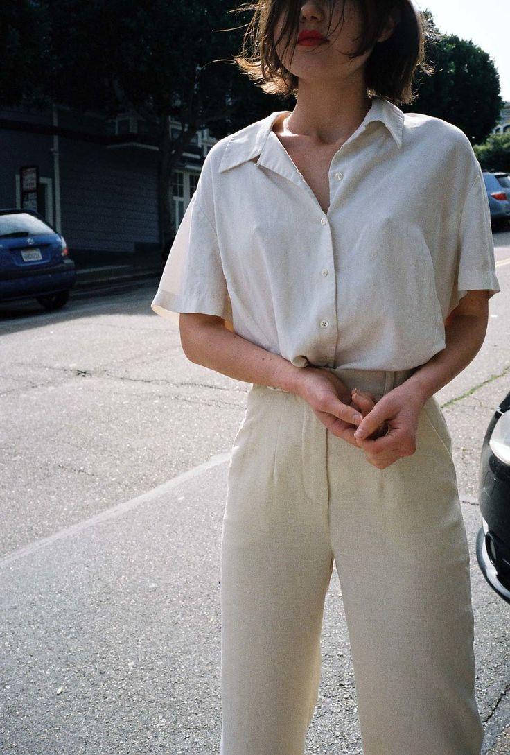 Pantalon large + chemise blanche + ceinture en cuir