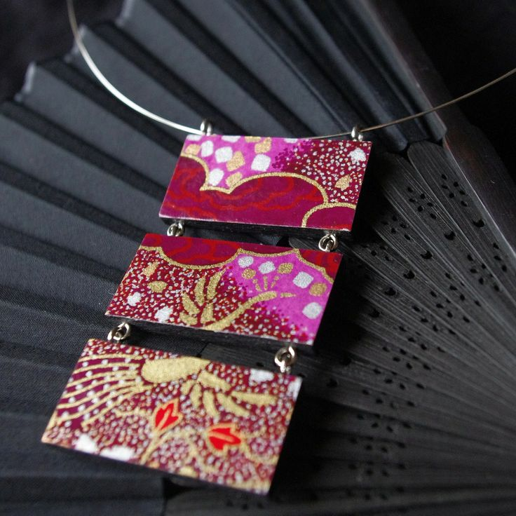 "Japanese inspiration ""Emi"" - wooden purple-gold necklace with Japanese paper Chiyogami"