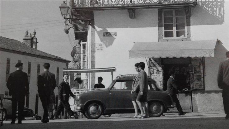 Santiago de Compostela - Porta Faxeira ( foto do libro de Català-Roca en Compostela (1956-1965) da editora AR ) Francesc Català-Roca (Valls, Tarragona 1922 - Barcelona 1998)