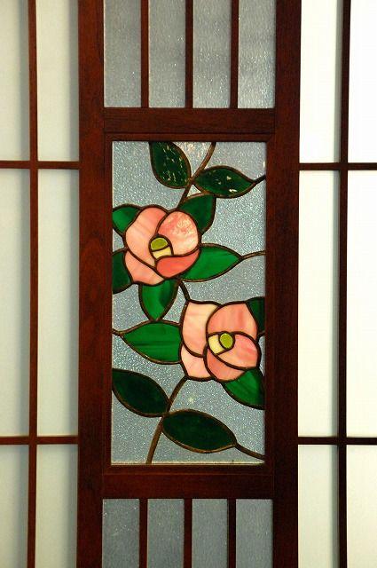 今は椿の咲く季節。 椿といえば、『椿姫』が思い浮かぶ。 小説の中では、椿の花が恋の始まりに重要な小道具として使われていた。夜になるまで待ち時間があった...